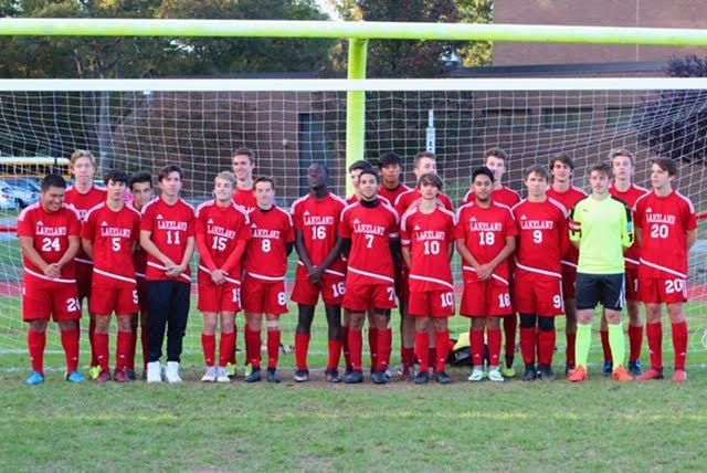 The+2018+boys+varsity+soccer+team.