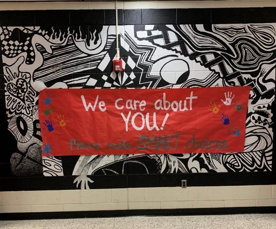 One of the many signs hung up throughout the senior hallway.